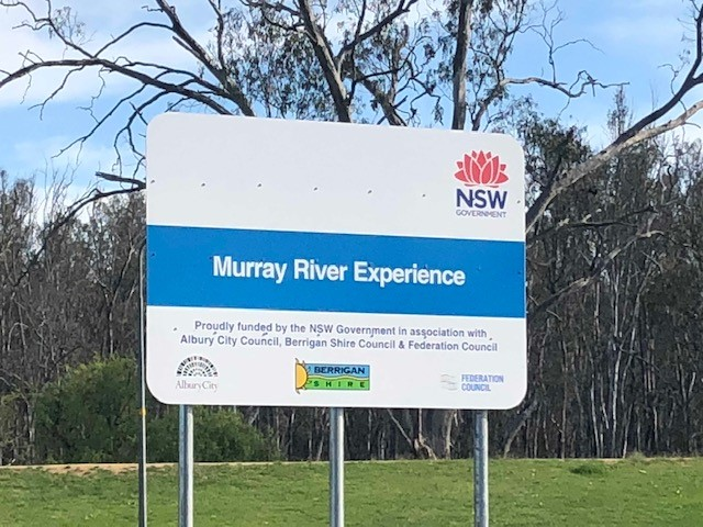 /Tocumwal%20Murray%20River%20Experience